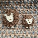 Broches moutons marron