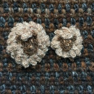 Broches moutons beige clair